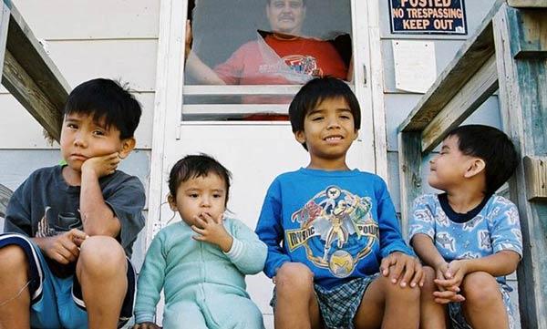 kids-on-porch